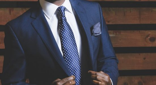 5 reasons successful people buy tailor made suits online